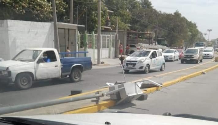 Una mujer herida saldo de una caída de luminaria en Salina Cruz