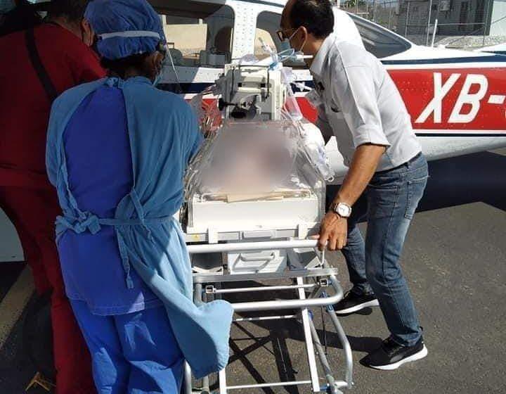 Muere recién nacido en ambulancia aérea en espera de atención médica.