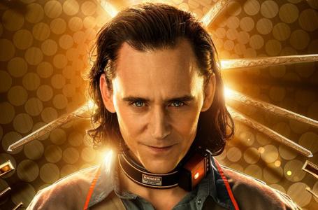 Look: un villano encantador y su serie en Disney +