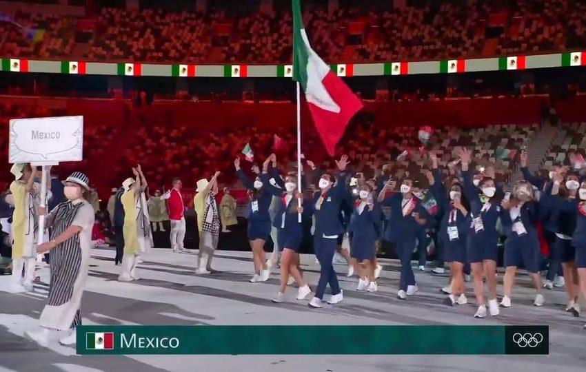 #México presente en #Tokio2021 portado bordados #Oaxaqueños durante la inauguración.