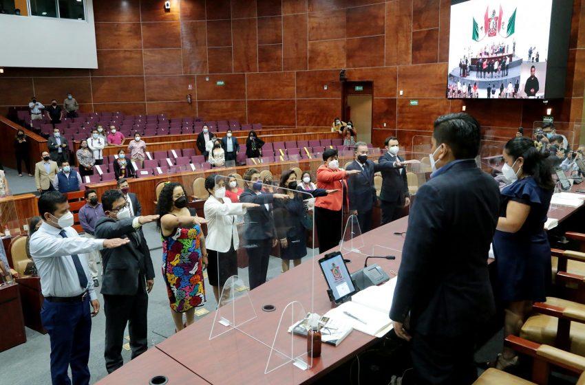 Congreso toma protesta a integrantes de la CEAMO