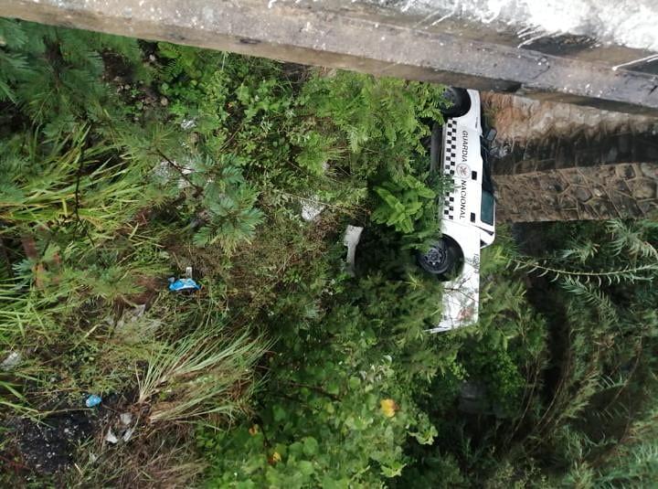 Fatal volcadura de patrulla de la Guardia Nacional en la Sierra Sur de #Oaxaca