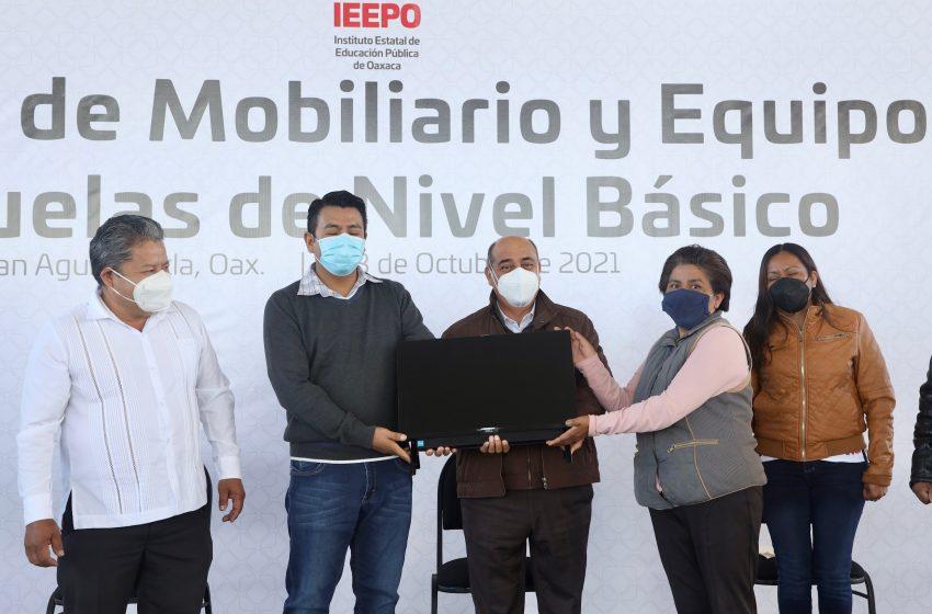 Entrega IEEPO mobiliario y equipo a 23 escuelas de San Agustín Etla y San Pablo Etla