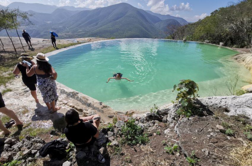 #Oaxaca:Hierve El Agua recibe a 100 turistas, en su primer día de apertura