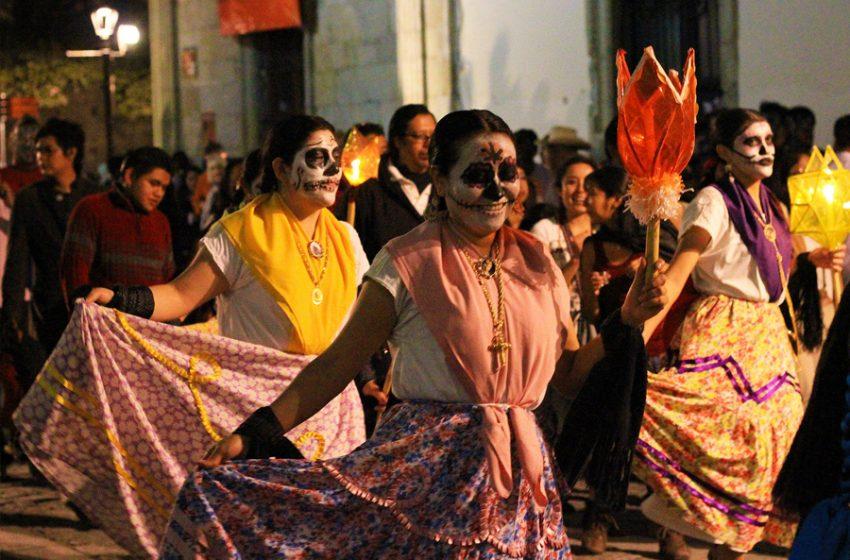 Por segundo año quedan canceladas actividades por Día de muertos en Oaxaca.