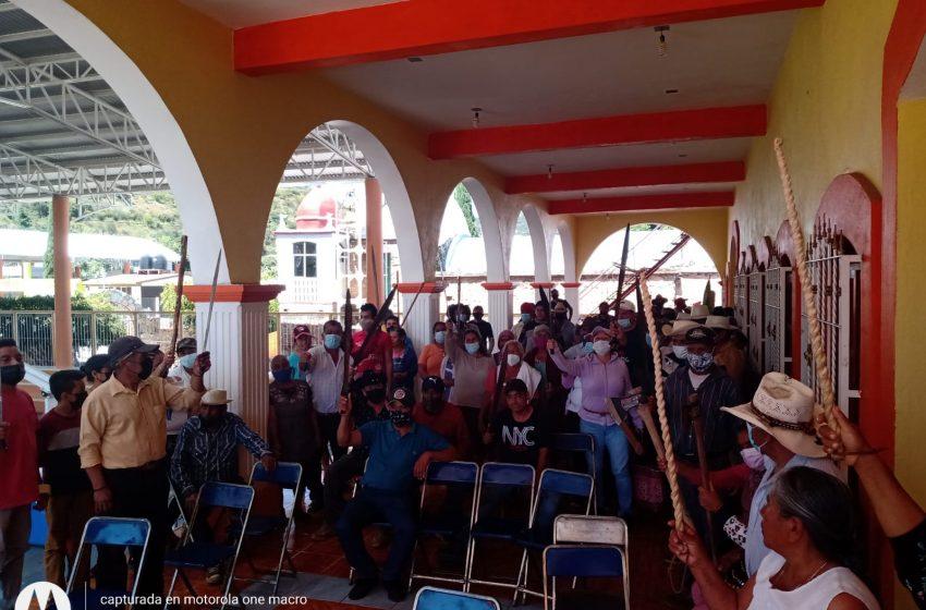 #Oaxaca:Latente violencia en Hierve El Agua; San Lorenzo Albarradas se alista en armas tras apertura del parador turístico